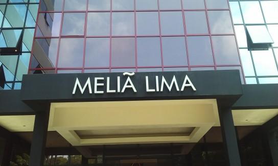 El Meliá Lima, el más cercano al aeropuerto de los hoteles importantes, en la zona de San Isidro.