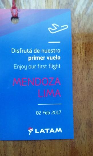 Tarjeta de bienvenida a los pasajeros del primer vuelo. Una conexión que facilita la llegada a una ciudad que lo merece.