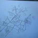 El plano, dibujado a mano, que Marcelo Pelleriti utiliza para el seguimiento de las 44 parcelas de uvas que cosecha.